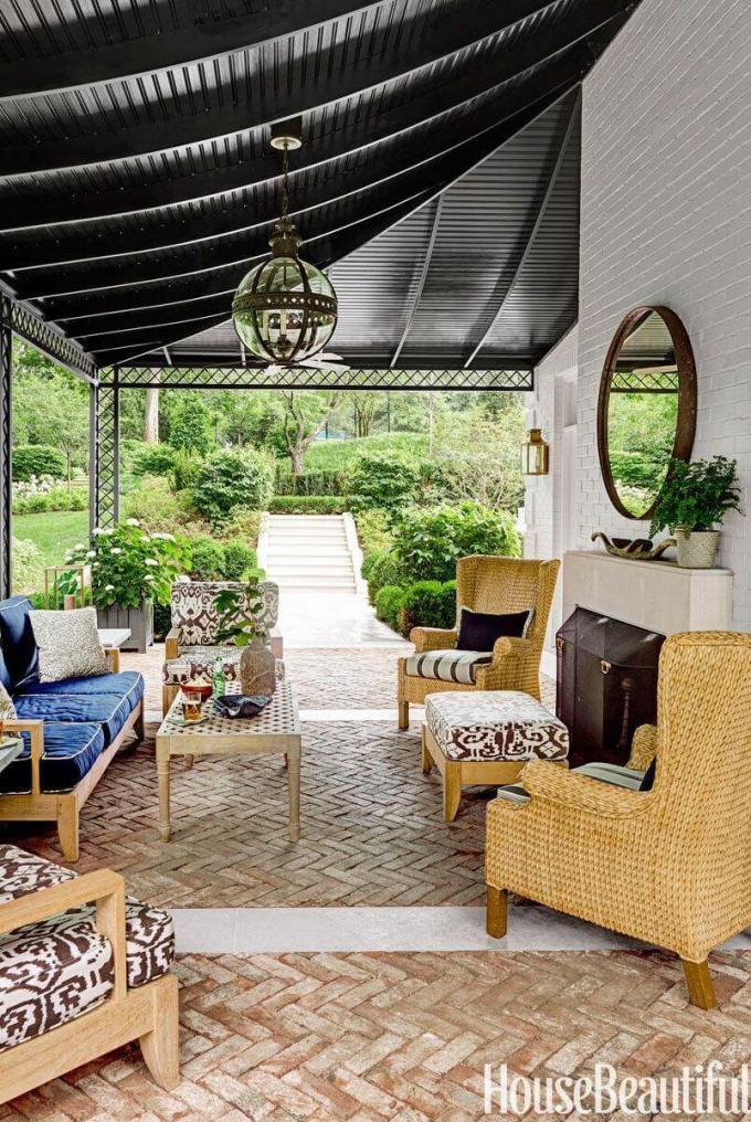 Backyard Landscaping Ideas - Cozy Porch - harpmagazine.com