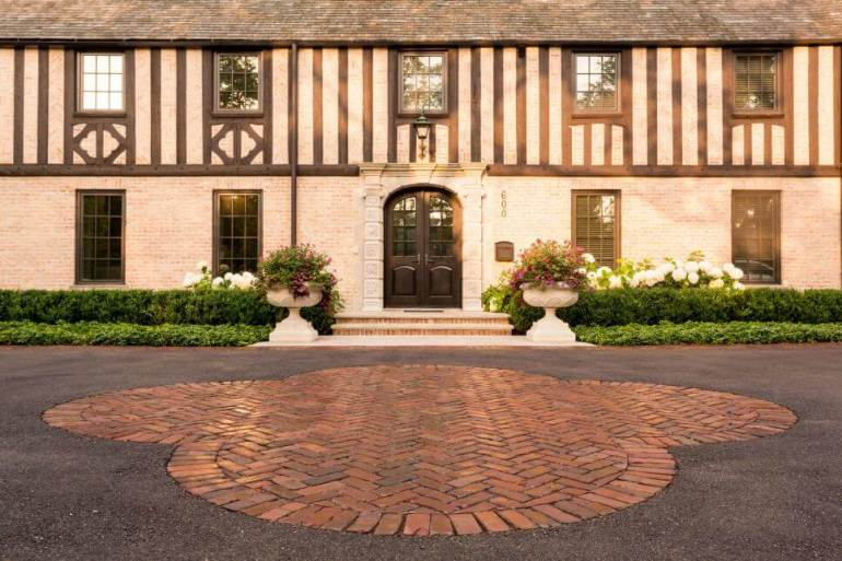 Paver Patio Ideas Quatrefoil Charm Photo By Jennifer Hoxsie, Greenhaven Landscapes - harpmagazine.com
