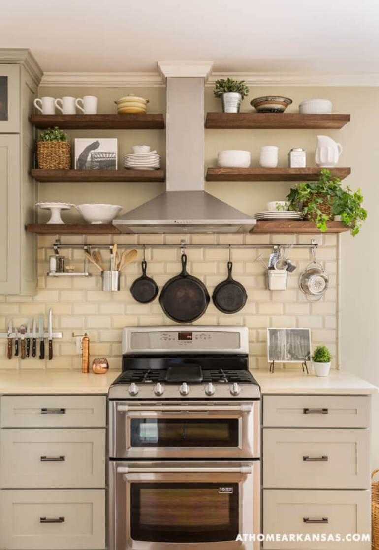 Farmhouse Kitchen Decor Design Ideas - Farmhouse Color Scheme Soft Silver White and Wood - harpmagazine.com