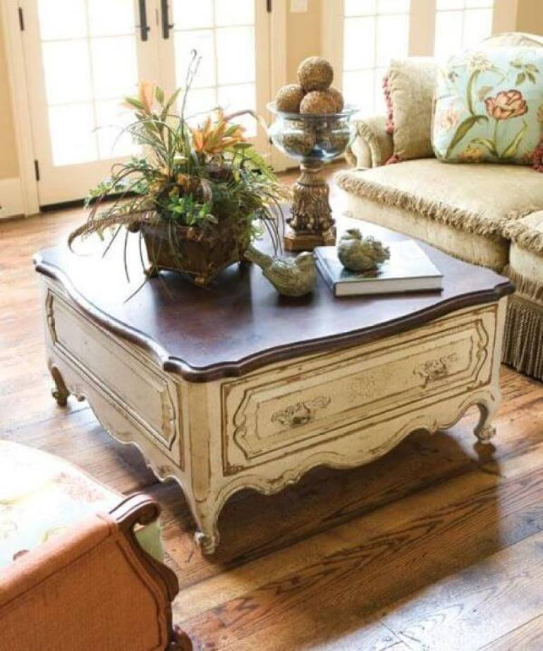 French Country Decor Ideas - Shabby Chic Wooden Coffee Table - Harpmagazine.com