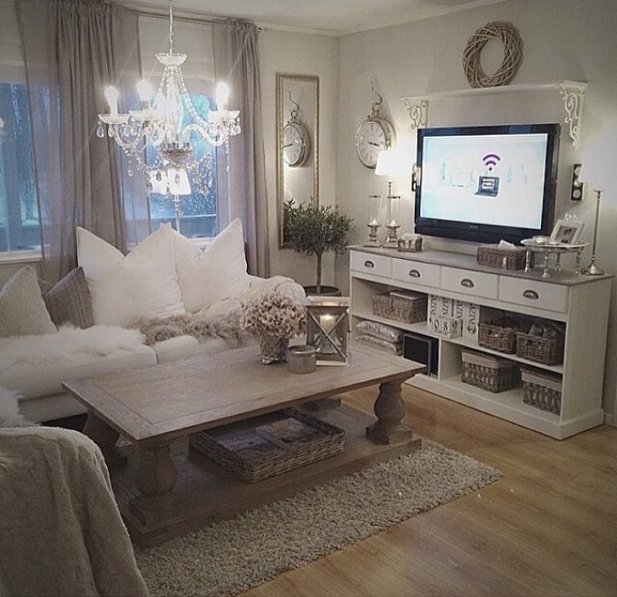 Rustic Chic Living Rooms Ideas - Fluffy Elegant Chandelier - harpmagazine.com
