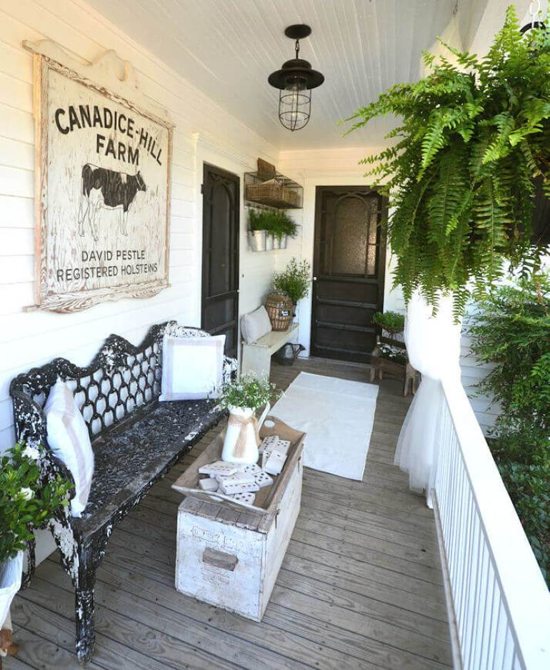 Farmhouse Porch Decorating Ideas - Dairy Charm Victorian Porch Decor - Harpmagazine.com