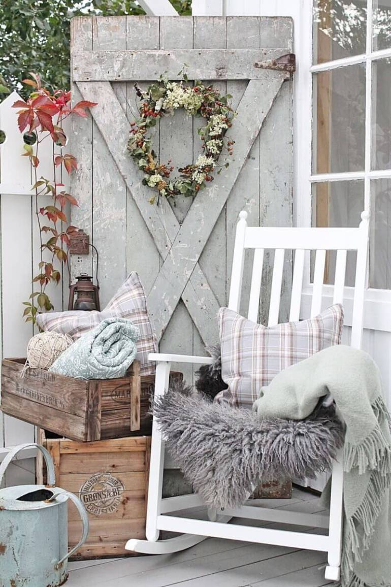 Farmhouse Porch Decorating Ideas - Barn Charm Rustic Farmhouse Porch Decor Ideas - Harpmagazine.com