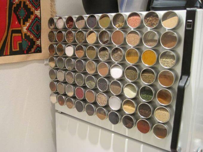Storage Ideas for Small Spaces - Turn Your Fridge Into Magnetic Spice Storage - Harpmagazine.com