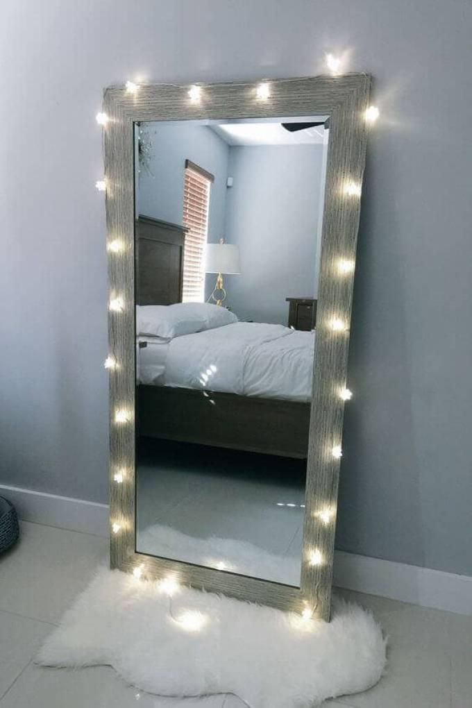 DIY Vanity Mirror with String Lights - Harppost.com