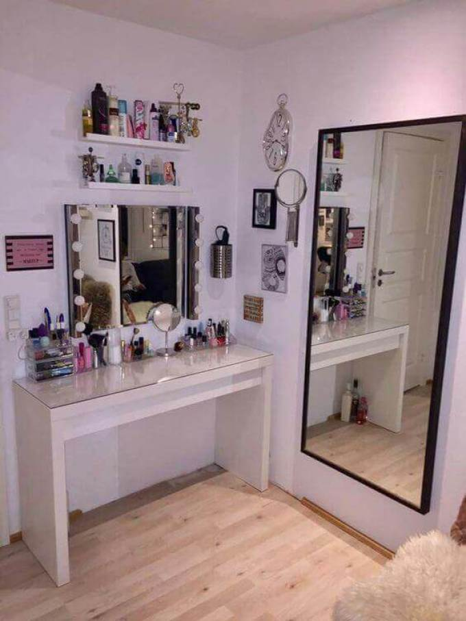 Makeup Room Ideas Dressing Table with Some Extra Mirrors - Harppost.com