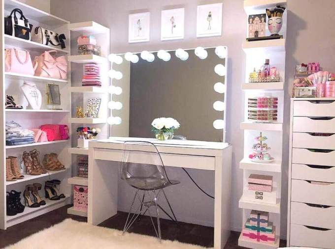 Makeup Room Ideas and OOTD Shelves - Harppost.com