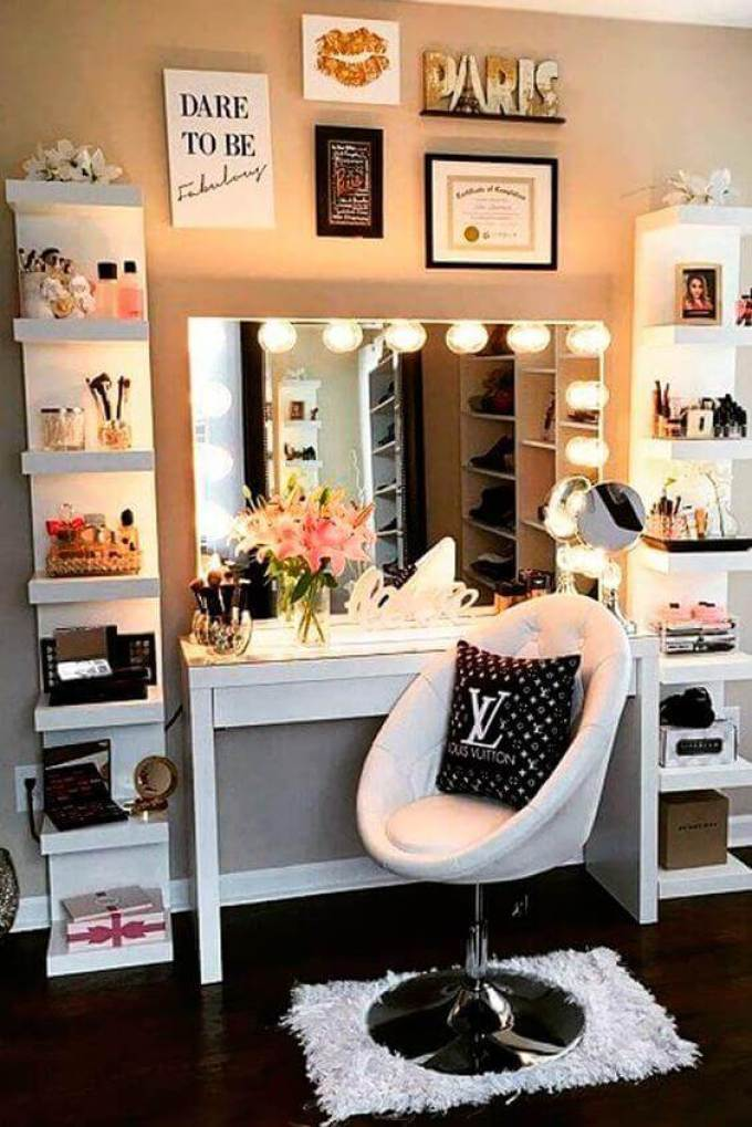 Makeup Room Ideas with Accent Wall - Harppost.com