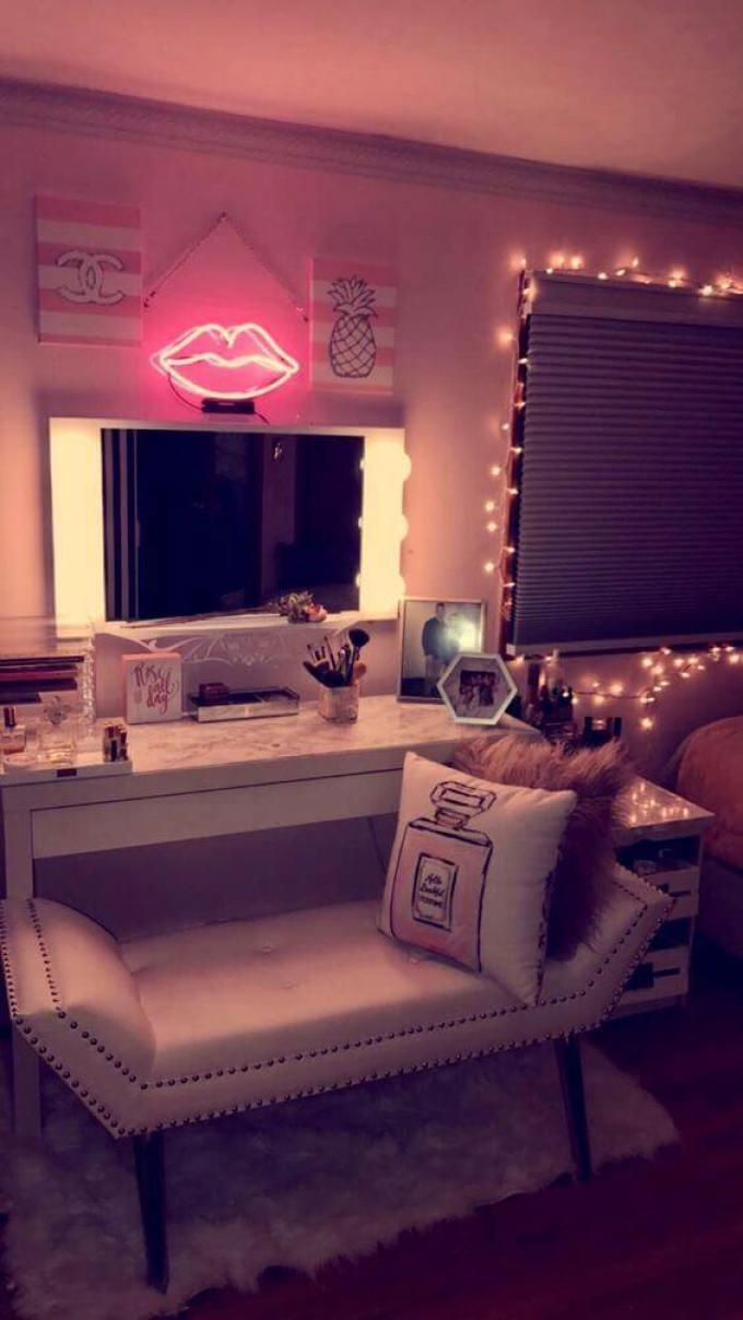 Romantic Makeup Room Ideas - Harppost.com