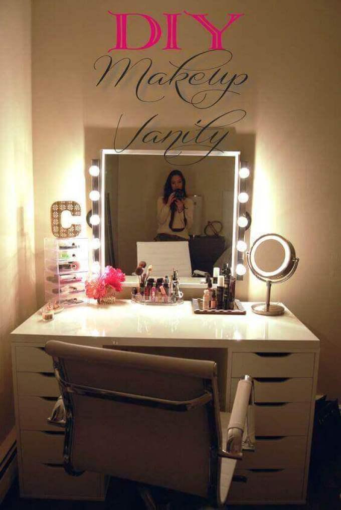 DIY Makeup Vanity Mirror with Lights Ideas - Harppost.com