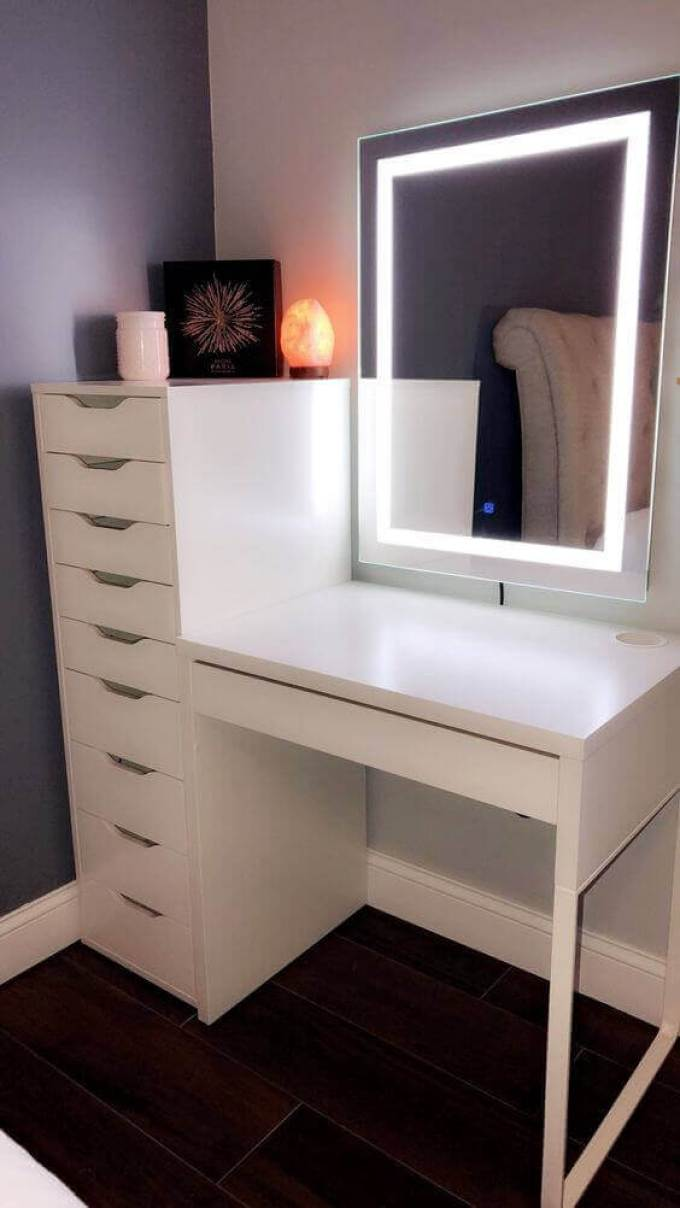 Modern DIY Vanity Mirror with LED Lights - Harppost.com