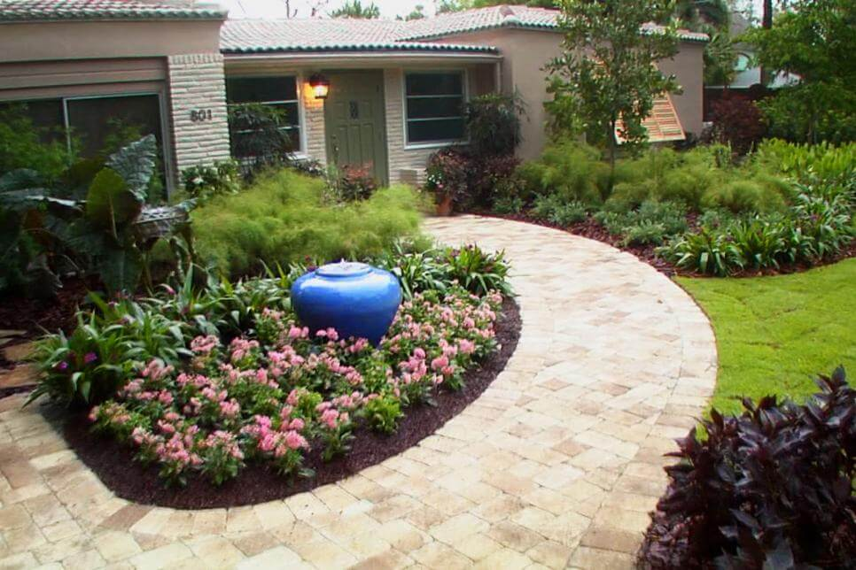 Superb Front Yard Landscaping Ideas   Keep Being Simple Yet Delightful   Harptimes.com