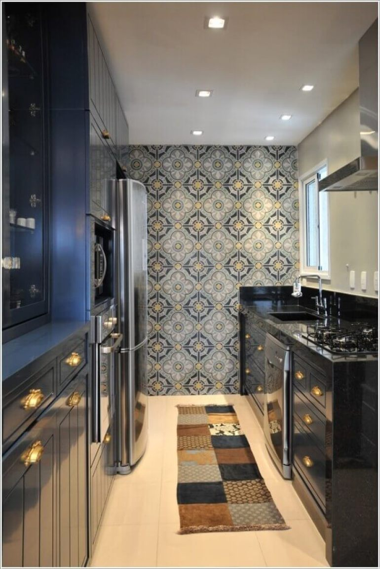 Accent Wall Ideas for Kitchen with Classic Wallpaper for a Modern Kitchen - Harptimes.com