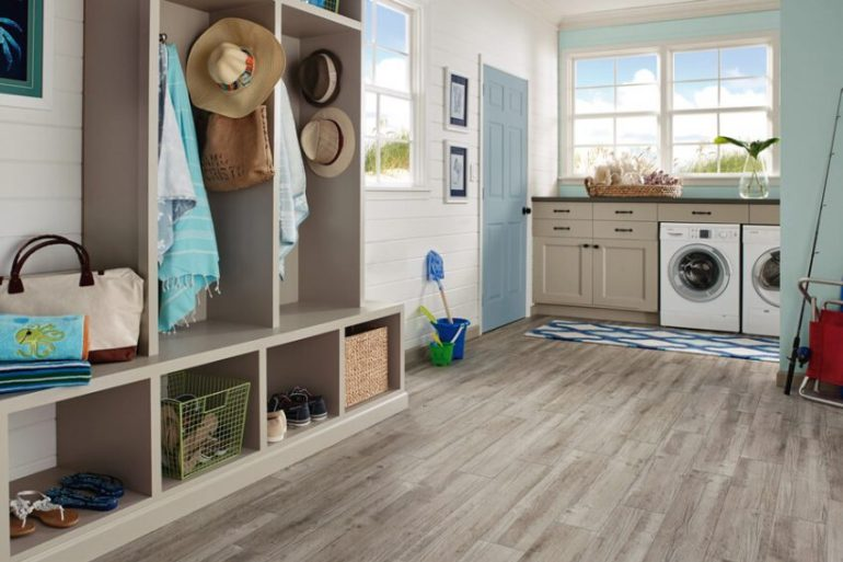Best Small Laundry Room Ideas - Laundry Room in The Mud Room - Harptimes.com