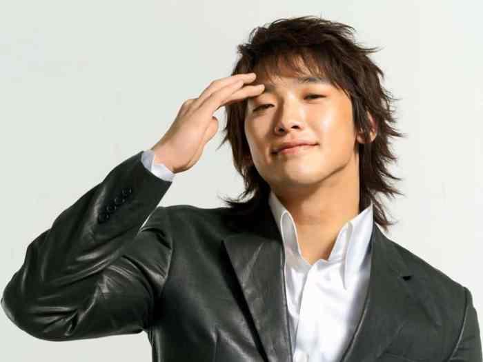 Asian Hairstyles Men, Medium Length Messy - Harptimes.com