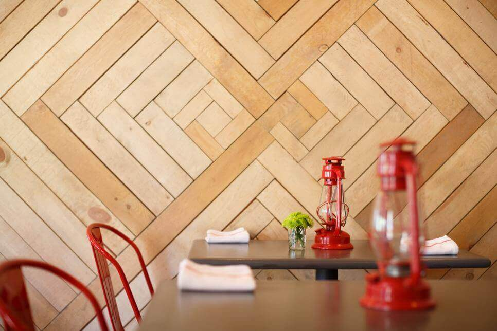 Barn Wood Accent Wall Ideas in Dining Area
