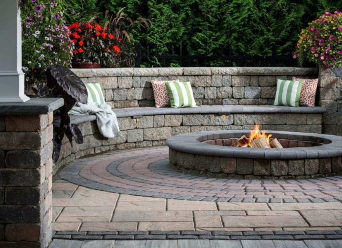 Pave Patio Ideas with Seat Walls - Harptimes.com