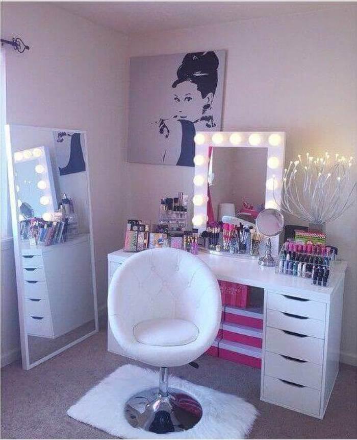 Glamorous Makeup Room Ideas - Harptimes.com