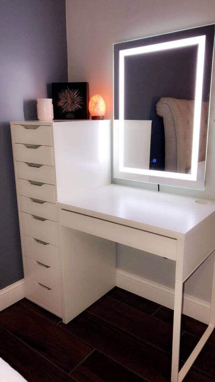 Modern DIY Vanity Mirror with LED Lights - Harptimes.com