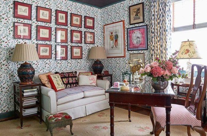 Wall Gallery Ideas on Heavily-Patterned Wallpaper