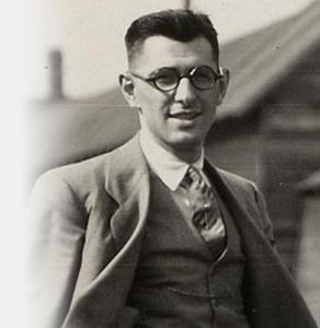 Harry Bernard dans la région de Sudbury en 1927.