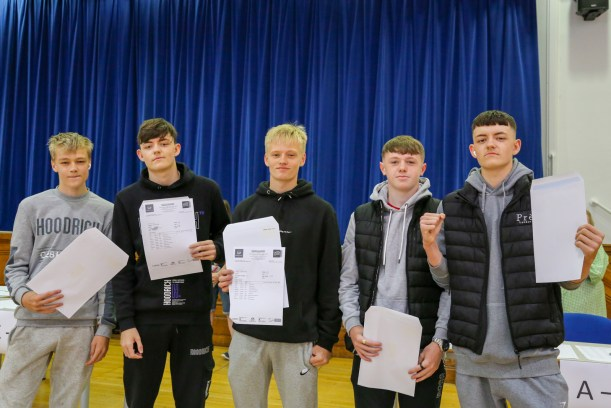 GCSE Results Day 2021_--11