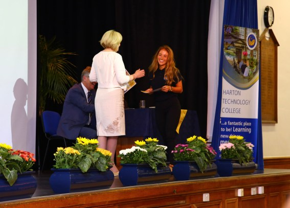 Year 9-10 Awards Evening 2017 -087