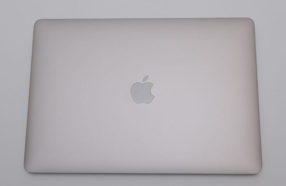 MacBook Air,デザイン,感想,重さ,サイズ