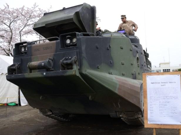 米海兵隊仕様AAV-7