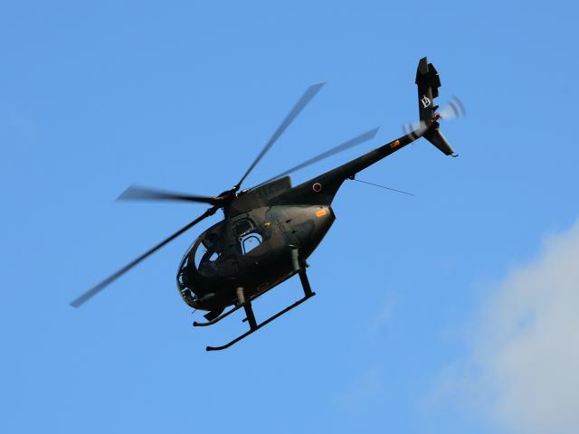 OH-6観測ヘリ。機動性を活かして災害時にも活躍する
