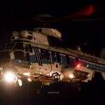 闇夜を切り裂くサーチライト。東扇島ヘリコプター離着陸訓練レポート。