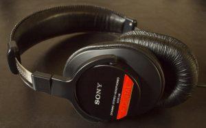 Sony MDR V6 headphones