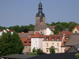 Bild: Blick vom Kupferberg auf Hettstedt auf Kordegarre und Kirche St. Jacobi.