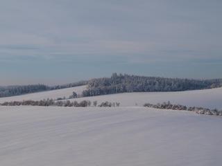 Blick von der Rabenskuppe bei Manfeld auf den Unterharz.