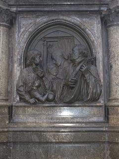 Bild: Die westliche Reliefplatte am Lutherdenkmal zu Eisleben.