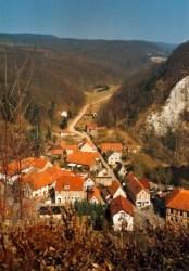 Bild: Blick von der Queste auf Questenberg.