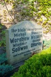 Bild: Grab zu Ehren der Opfer des Faschismus auf dem Friedhof von Wansleben am See.