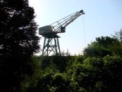 Bild: Die Industrieruine Rohsteinkran auf der ehemaligen Bessemerei der Kupfer-Silber-Hütte in Hettstedt. Aufnahme aus dem Jahre 2008.