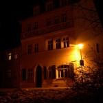 Aschersleben - An der Kirche St. Stephani bei Nacht.