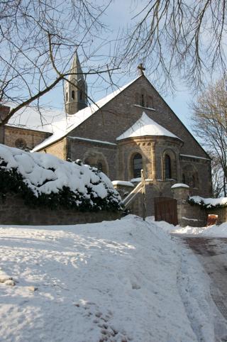 Bild: Die Stiftskirche auf dem Petersberg bei Halle an der Saale.