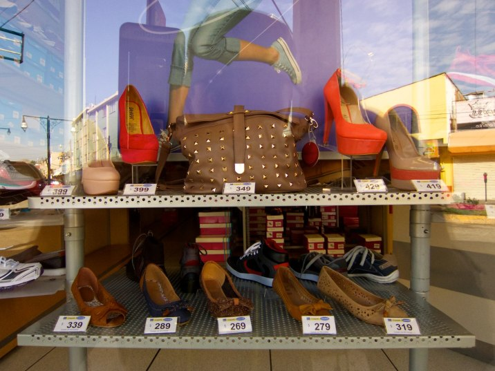 Ladies, these shoes sell for about $20 to $30... on every corner. If you need shoes, visit Parral.