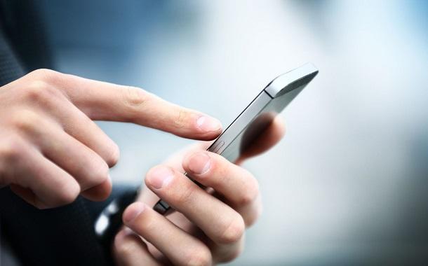 smartphone-user