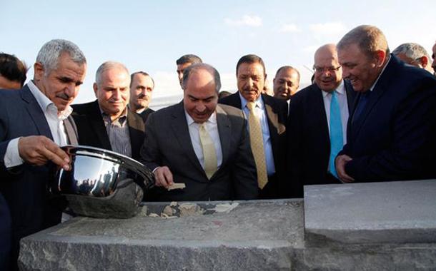 مندوبا عن الملك، الملقي يضع حجر الاساس لمشروع مركز جمرك عمان الجديد بالماضونة- (بترا)