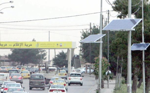 خلايا شمسية على أعمدة لتوليد الطاقة الكهربائية - (أرشيفية)