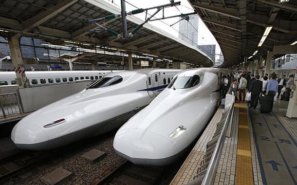 بالفيديو.. قطار ياباني بنفس سرعة الطائرة