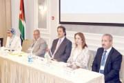 خبراء يؤكدون ضرورة تحقيق التوازن بين السياحة والبيئة والمصالح الاقتصادية