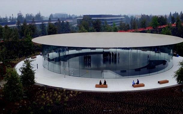 قاعة ستيف جوبز جاهزة لاحتضان مؤتمر الكشف عن هواتف iPhone الجديدة