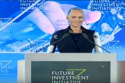 بالفيديو.....أول روبوت بالعالم يُمنح الجنسية وجواز السفر في السعودية