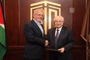 اتفاقية تعاون استراتيجي بين مؤسسة ولي العهد ومجموعة أبوغزالة