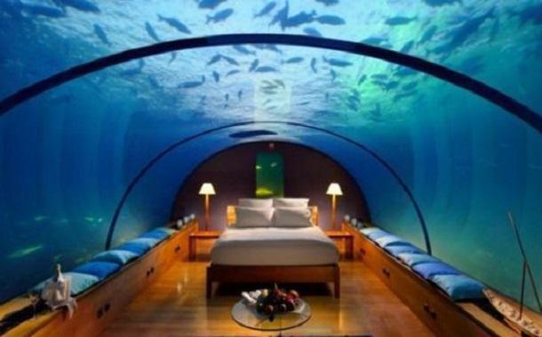إقامة ليلة بفندق شهير في دبي مقابل like